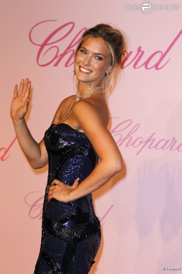 "Bar Refaeli lors de la soirée Chopard ""Happy Diamonds are a girl's best friend"" à Cannes le 16 mai 2011"