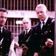 Tom Hanks est le gentil gardien. Gary Sinise est le plus méchant, il n'a aucune pitité.