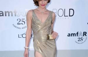 Bar Refaeli, Charlotte Casiraghi... Défilé de robes glamour à l'amfAR !