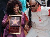 Chaka Khan, avec son ami Stevie Wonder, reçoit son étoile !