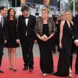 Catherine Deneuve, Ludivine Sagnier, Chiara Mastroianni et l'équipe du film Les Bien-Aimés sur le tapis rouge de Cannes le 22 mai 2011