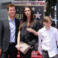 Victoria Beckham, enceinte, lors de l'hommage sur le Walk of Fame à Hollywood de Simon Fuller le 23 mai 2011, avec son fils aîné Brooklyn