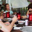 Déjeuner avec Fabrice dans Les Anges de la télé-réalité 2 : Miami Dreams