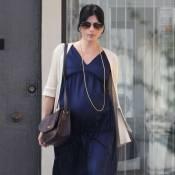 Selma Blair : Toujours très enceinte, elle poursuit son défilé de mode !