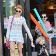 Ashlee Simpson est comblée avec son chouchou de deux ans et demi, Bronx. Los Angeles, 30 avril 2011