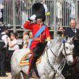 Le prince William mène les troupes de la reine durant le Colonel's Review, à Londres, le 4 juin 2011.