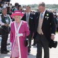 Elizabeth II à son arrivée au Derby d'Epsom, le 4 juin 2011.