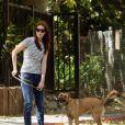 Mandy Moore promène son chien à Los Feliz, dimanche 29 mai 2011.