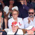 Anne Le Nen, Muriel Robin et Antoine Duléry lors de la finale des Internationaux de France, à Paris, le 5 juin 2011.