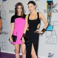 Ashley Greene et Miranda Kerr lors des Council of Fashion Designers of America le 6 juin 2011 à New York
