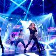 Jennifer Lopez chante On The Floor lors de la soirée So You Think You Can Dance sur BBC1