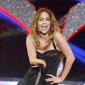 Jennifer Lopez met le feu en baggy ou jupette sexy