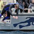 Pierre fait le grand plongeon lors de l'Opération Poséidon, le 27 mai 2011, à Monaco.