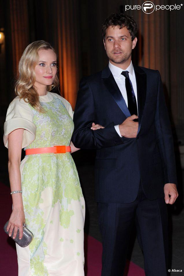 """Diane Kruger et Joshua Jackson lors du dîner de gala caritatif de la manifestation """"Liaisons Au Louvre"""" à Paris le 14 juin 2011"""