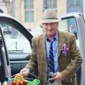Rod Stewart présente fièrement la jolie frimousse de son fils Aiden