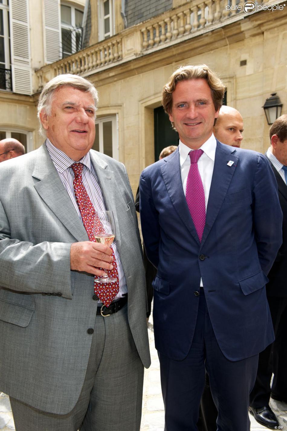 Charles et Jean-Michel Beigbeder lors du déjeuner Père & Fils, au Taillevent, à Paris, le mardi 14 juin 2011.