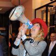 Daphné Bürki est une véritable fasionista, rien d'étonnant qu'elle ait été choisie pour lancer les soldes d'été aux Galeries Lafayette ! Paris, 22 juin 2011