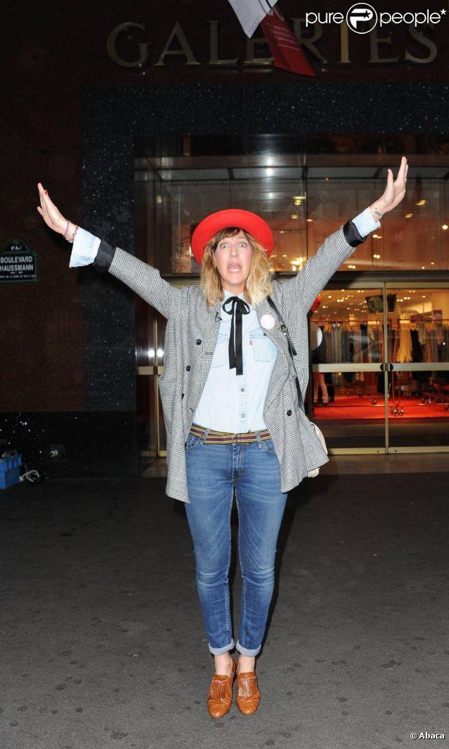 Daphné Bürki déclare les soldes d'été ouverts aux Galeries Lafayette ! Paris, 22 juin 2011