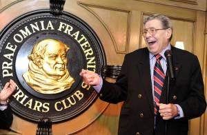 Grosse frayeur pour Jerry Lewis : A 85 ans, sa tournée en partie annulée...