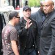 John Travolta, sa femme Kelly Preston et leurs enfants se rendent au restaurant Dave à Paris le 20 juin 2011