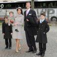 La princesse Marie de Danemark (photo : en famille le 14 avril 2011 pour le baptême des jumeaux Voncent et Joséphine) a achevé le 23 juin 2011 une formation de quatre semaines aux procédures d'urgence : lutte contre les incendies, premiers secours...