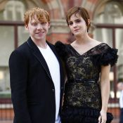 Emma Watson, glamour en dentelle avec son ''amoureux'' Rupert Grint