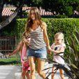 Denise Richards se promène avec Sam et Lola... Mais où est sa fille adoptive, Eloise ? Malibu, 8 juillet 2011