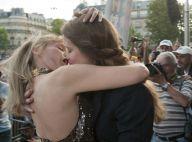 Arielle Dombasle dans les bras d'une femme : un baiser langoureux et militant