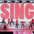 Les acteurs de Glee, réunis pendant une tournée longue de plus d'un an, qui donnera lieu à un film en 3D le 28 septembre 2011 en France.