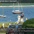 Patrick Kennedy, fils du sénateur Ted Kennedy mort en  2009 et neveu de feu JFK, a épousé sa compagne Amy Petitgout le 15  juillet 2011 dans le fief de la famille Kennedy, à Hyannis Port, sur  Cape Code (Massachussets).