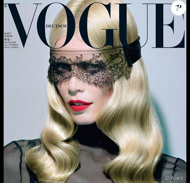 Claudia Schiffer en couverture de Vogue
