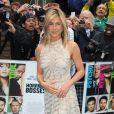 Jennifer Aniston, portant une robe Valentino, lors de l'avant-première à Londres de Comment tuer son boss ? le 20 juillet 2011