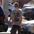 Justin Bieber se rend dans un studio d'enregistrement à Los Angeles, lundi 18 juillet, pour travailler sur son nouvel album.