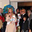 Céline Dion est une maman comblée avec les quatre hommes de sa vie : son mari René Angélil, René-Charles, 10 ans, et les jumeaux Nelson et Eddy, 9 mois.