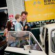 Le prince Henrik, 2 ans, initié à la passion automobile de son père le prince Joachim.   Comme chaque année au premier week-end d'août, le prince Joachim de Danemark disputait le 6 août 2011 l'épreuve Royal Pro-Am du Grand Prix Historique de Copenhague. Cette année, encore, il a dû abandonner, sous le regard de son épouse la princesse Marie, de leur petit Henrik, 2 ans, et de ses fils NIkolai (9 ans) et Félix (bientôt 12 ans).