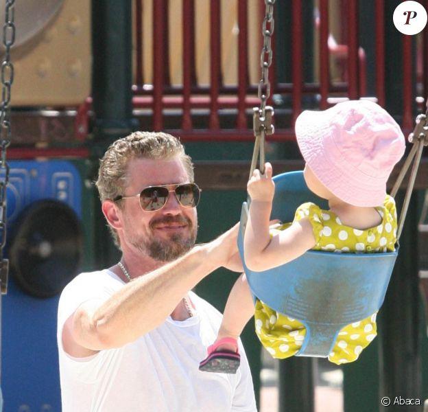 Eric Dane, sorti de rehab, a retrouvé son adorable fille Billie pour une journée ensoleillée à Los Angeles. Le 15 août 2011