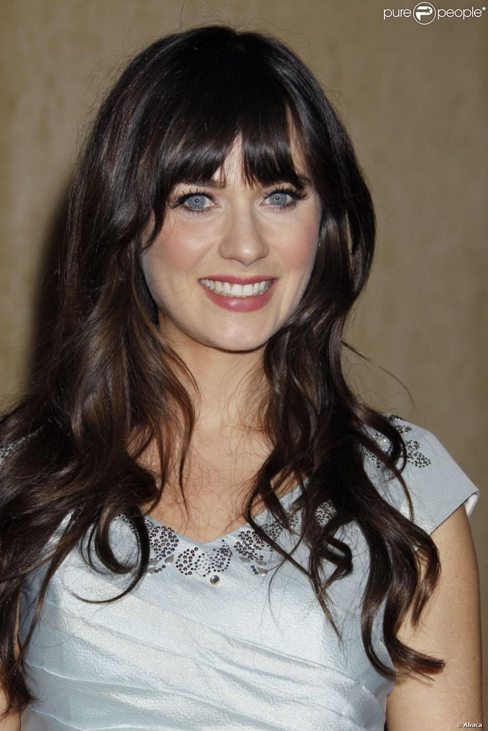 Zooey deschanel se fait rare sur les tapis rouges hollywoodiens mais chacune de ses - Actrice yeux bleus ...