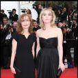 Mère et fille : Isabelle Huppert et Lolita Chammah au festival de Cannes en 2010