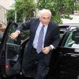 Dominique Strauss-Kahn, après sa visite au FMI, de retour à son domicile de Washington, le 29 août 2011.