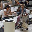 """""""Rebecca Gayheart, enceinte, se balade dans un centre commercial avec sa fille Billie. Los Angeles, 7 septembre 2011"""""""
