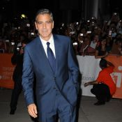 George Clooney : Son amoureuse Stacy Keibler, hyper sexy, subjugue Toronto