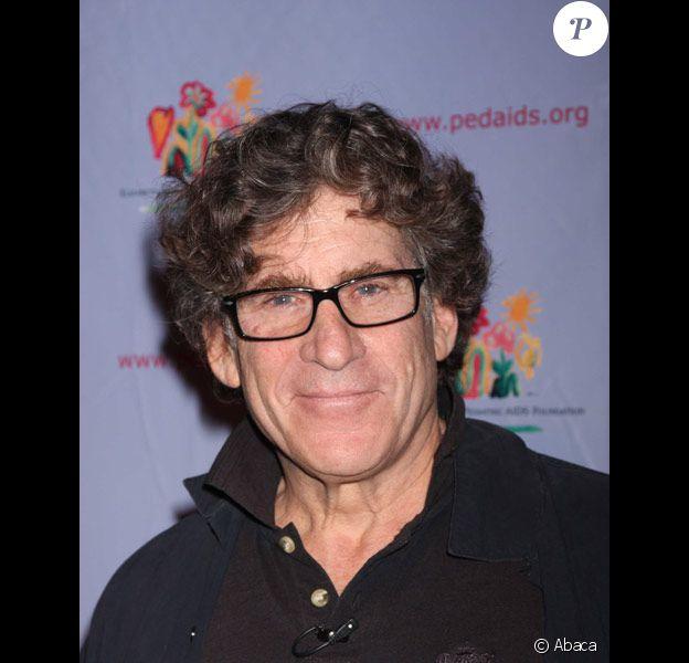 Paul Michael Glaser pose lors d'une soirée caritative à New-york en novembre 2010