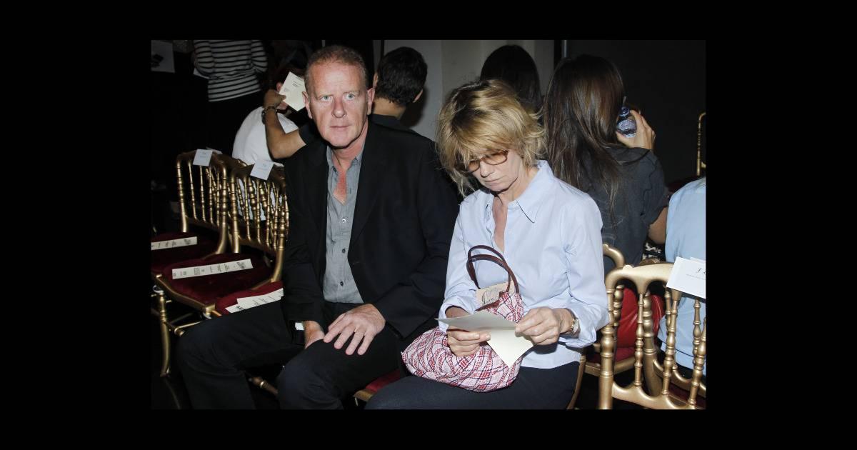 Miou miou et son compagnon jean teul au d fil de jean paul gaultier paris en octobre 2011 - Damien thevenot et son compagnon ...