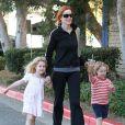 Marcia Cross s'accorde une pause tendresse avec ses filles Eden et Savannah le 4 octobre 2011