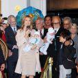 Céline Dion et René Angelil avec leurs fils René-Charles et les jumeaux Eddie et Nelson. Le mari de la chanteuse avait 59 et 68 ans quand ses fils sont nés.