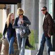 Melanie Griffith, Antonio Banderas et Stella Banderas, à Los Angeles, le 24 octobre 2011.