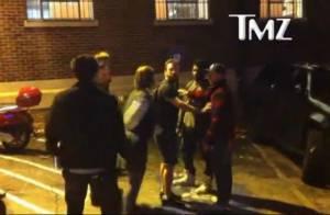 Usher : le mentor de Justin Bieber, agressé, se prend une bière en plein visage