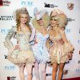 AnnaLynne McCord et ses soeurs se sont glissées dans la peau de Marie-Antoinette pour célébrer Halloween et par la même occasion, l'anniversaire de Rachel (au centre).Las Vegas, le 28 octobre 2011.