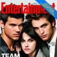 Kristen Stewart, Taylor Lautner et Robert Pattinson sont les membres de la Team Twilight. Entertainment Weekly, 26 novembre 2009.