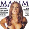 Janvier 1998 : Carmen Electra met en avant ses généreux atouts en Une de Maxim.